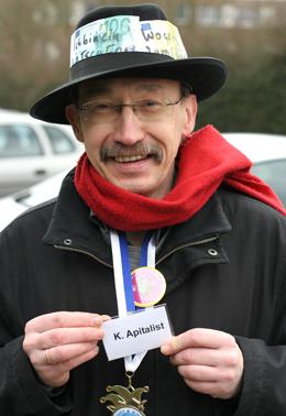 Bovermann verkleidet als K.Apitalist